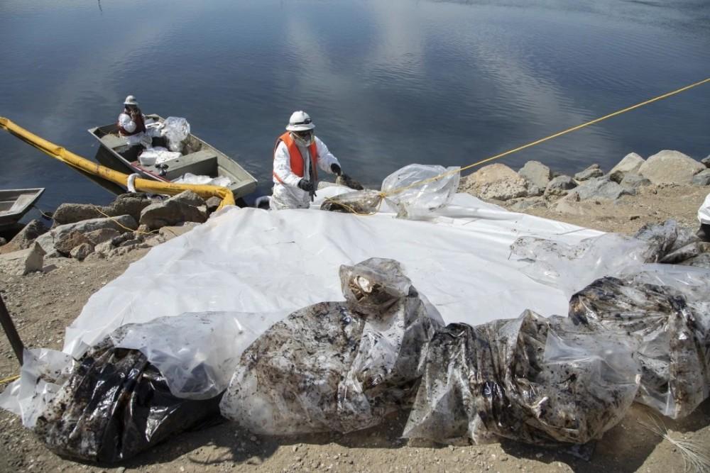 Playas del sur de California afectadas por derrame de petróleo