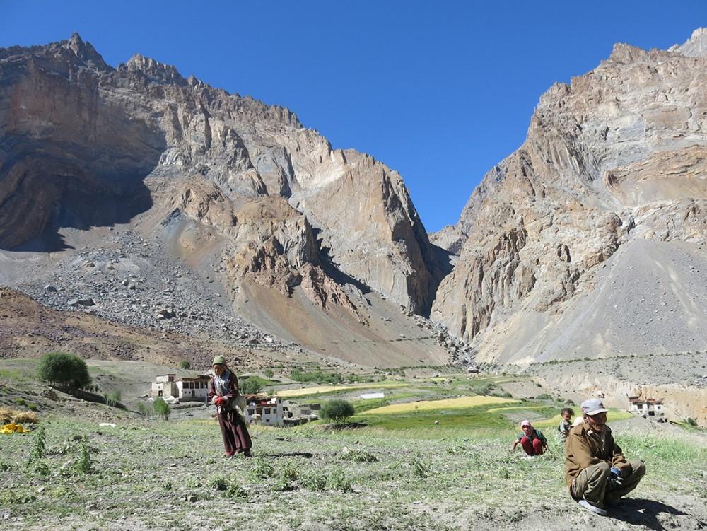 españoles en una montaña